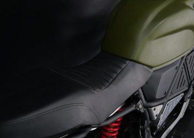 EMGo-Scramper-ElectricMotorcycle-Green-seat-closeup